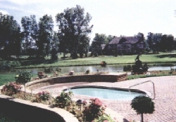 Lakeside fiberglass pool, click for this Award entry
