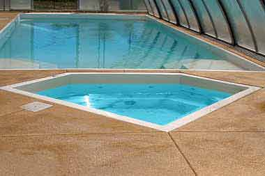 Diamond fiberglass swimming pool