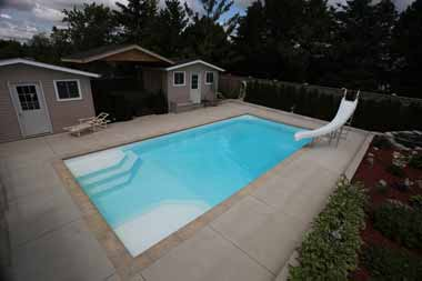 Niagara fiberglass swimming pool